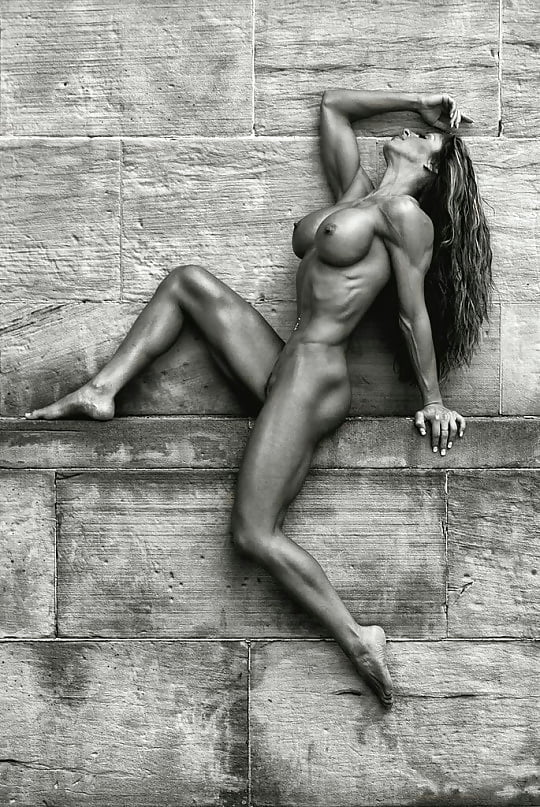 Nude fitness model picture
