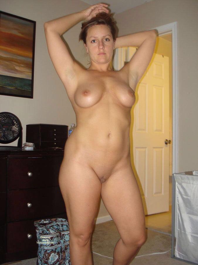 Amateur nude women that are short 12