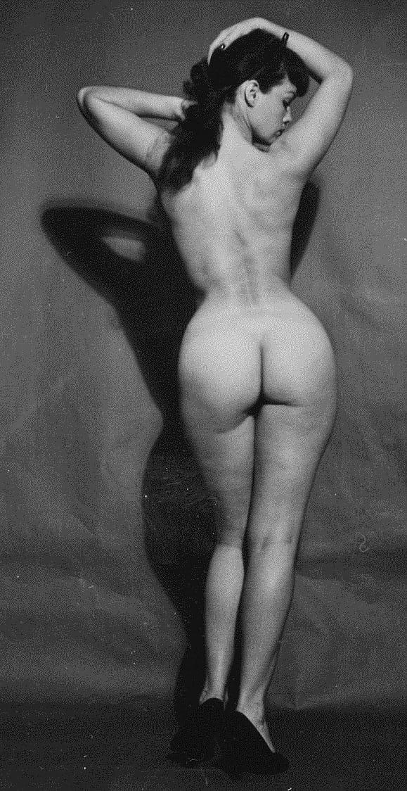 betty-draper-nude