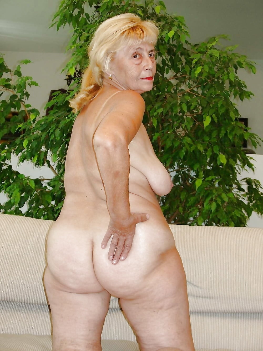 pussy-photos-of-nude-grannies-ass