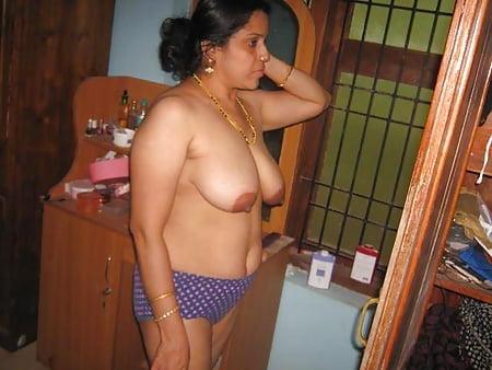 Boobs Aunty Nude Saree Png