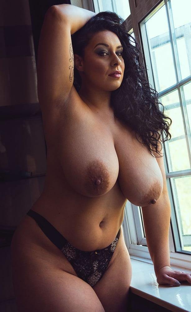 Huge Tits, Curvy Women