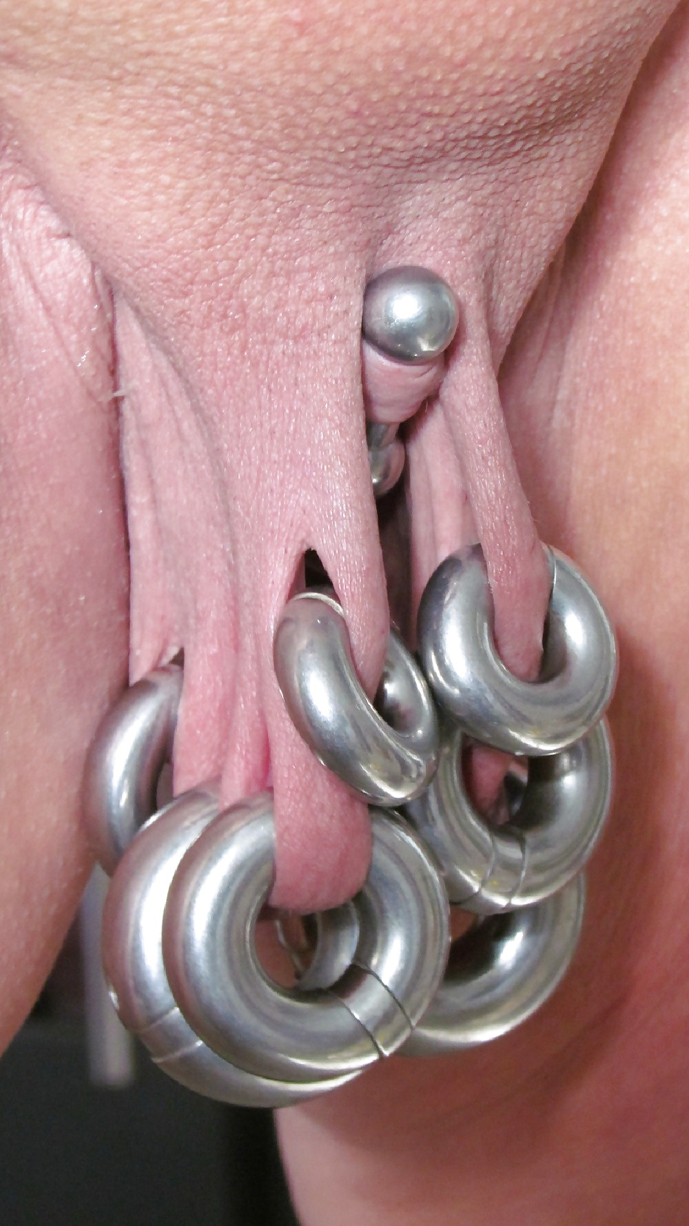 Pussy piercing on camera — photo 5