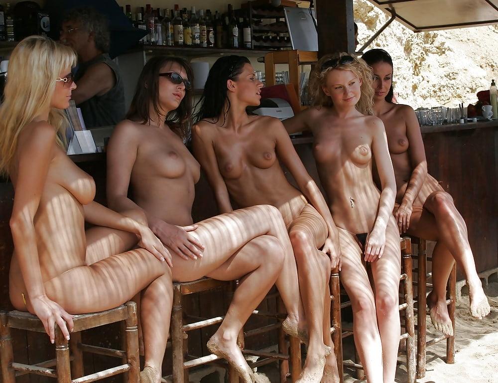 nude-ibiza-girls