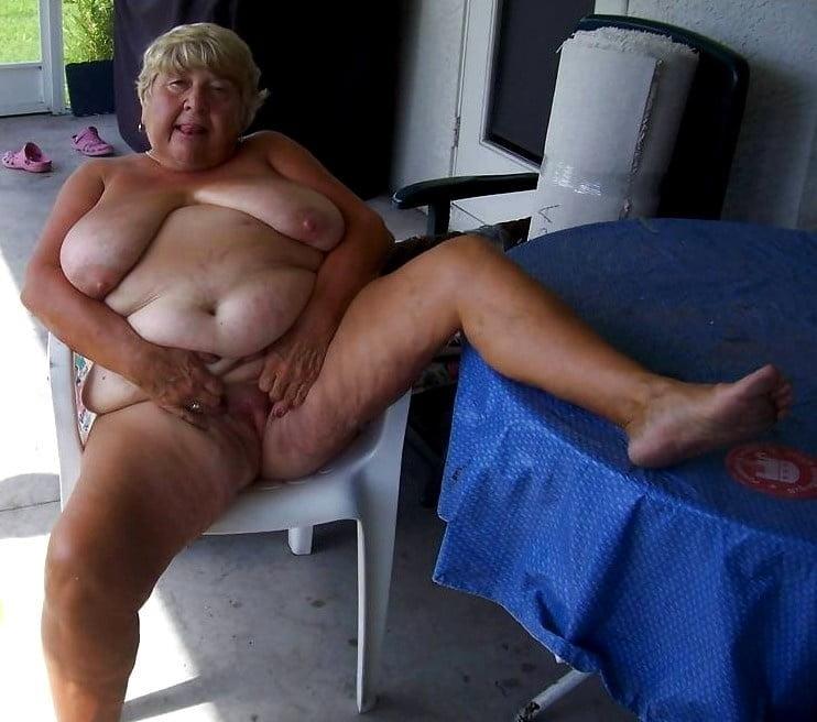 Horny older women near me-9070
