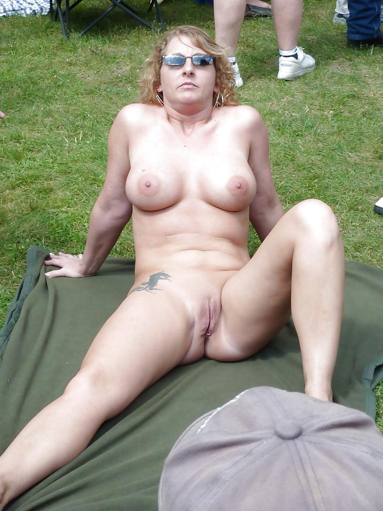 Outdoor Mature Free Pics, Hot Women Porn