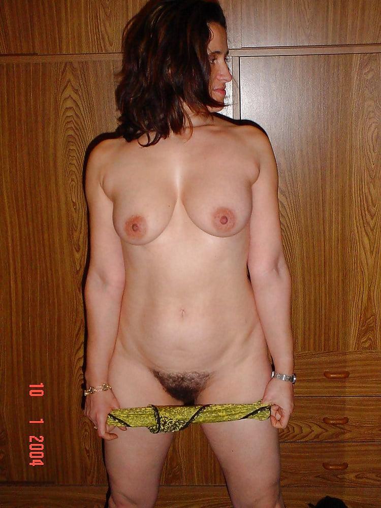 Wifes - 74 Pics