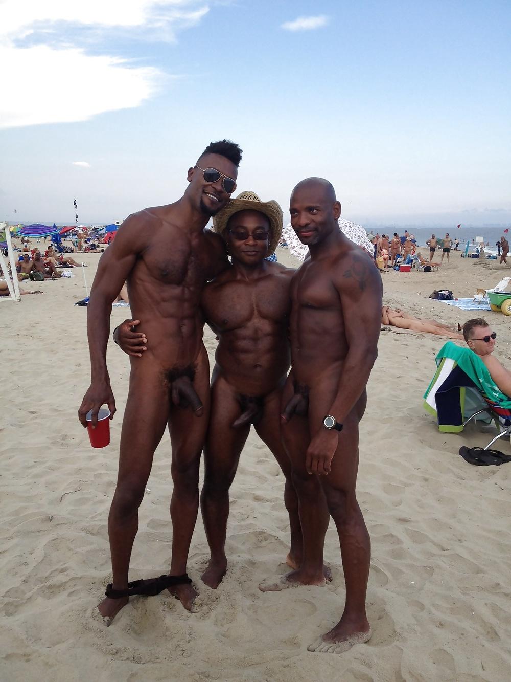 Dubai nude male 5