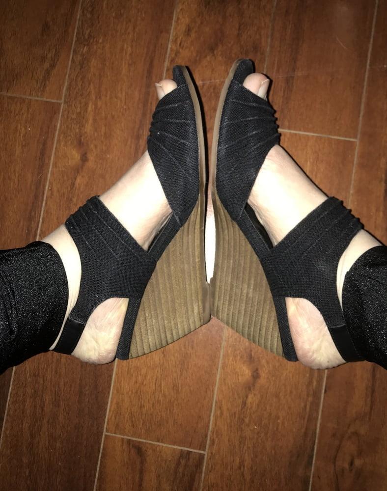 Foot Fetish and Footjob - 22 Pics