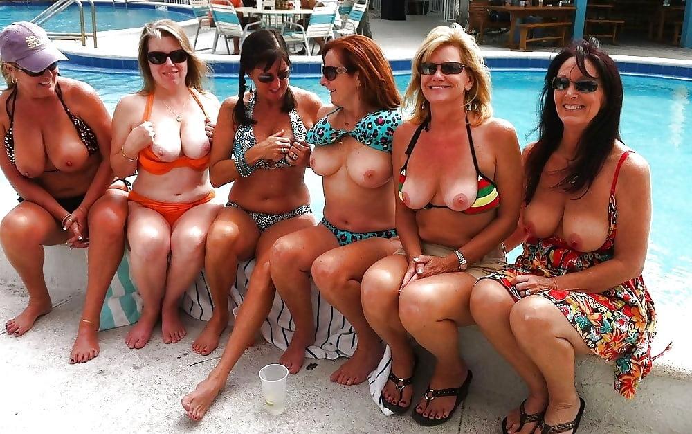 Hot horny naked wives-9093