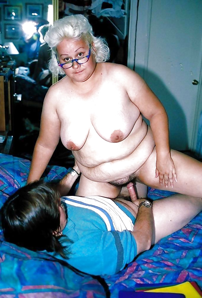 Watch granny amateur homemade porn pics for free