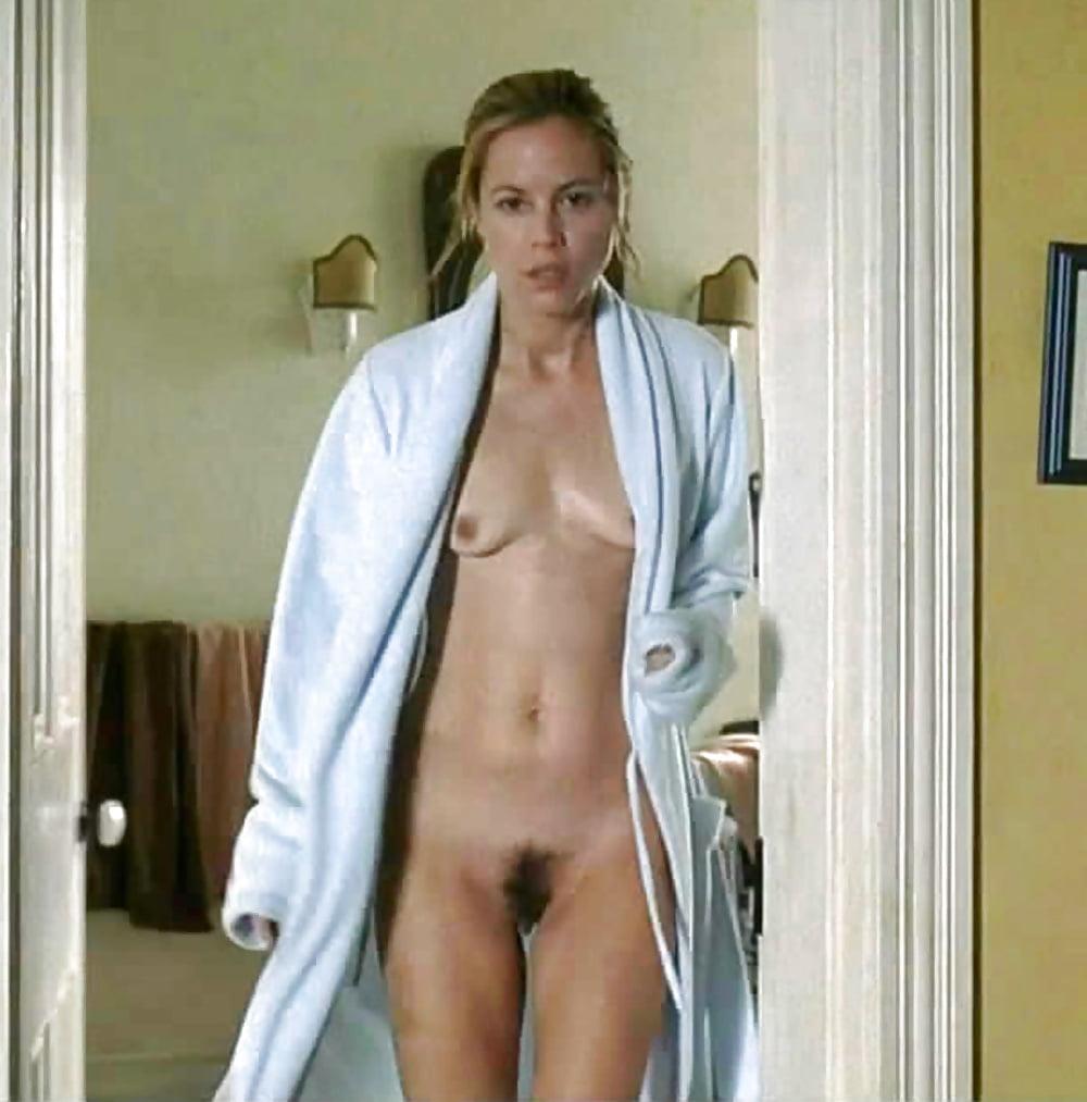 Обнаженная мария белло, грудастая домохозяйка порно видео