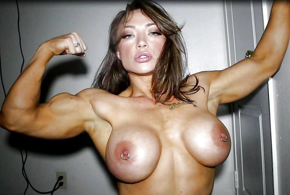 huge-tits-muscle-girl
