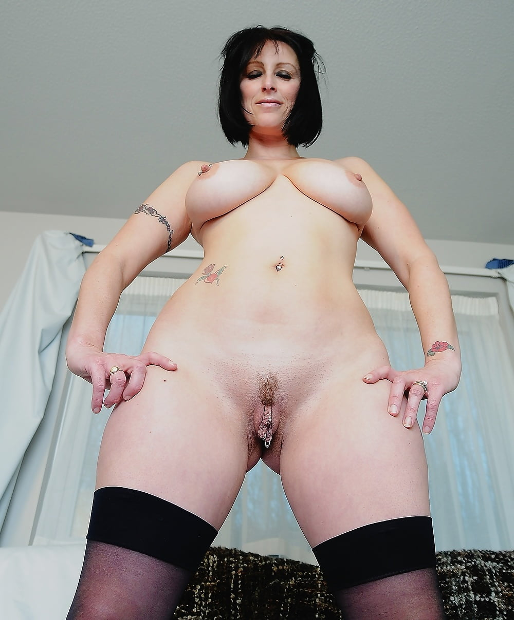 black haired beauty naked