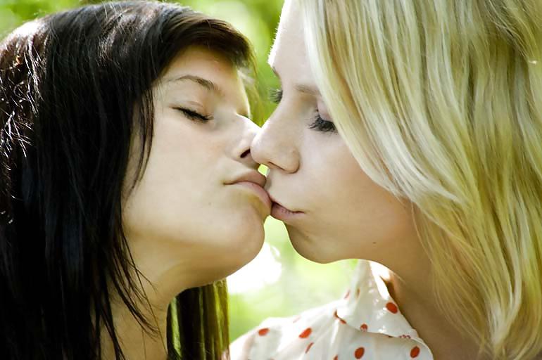 Cute lesbian kissing porn-7950