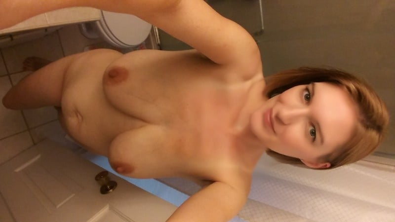 Big Titty Wife - 9 Pics