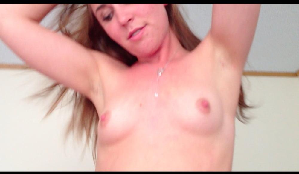 Video xnxx brunette-1500