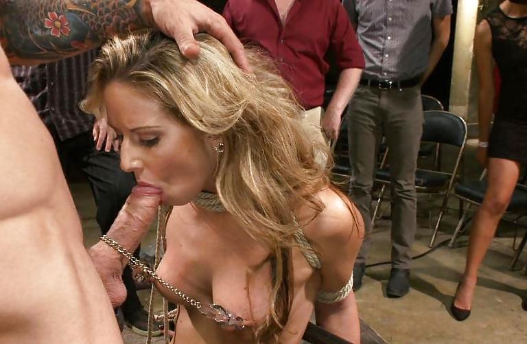 Порно на публике вечеринки бдсм 13