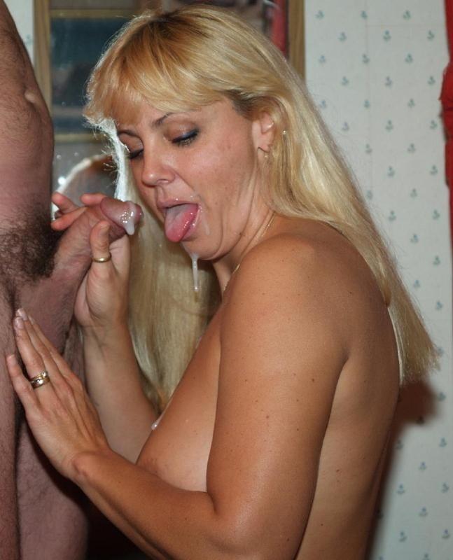 MILF Wives - Blowjobs 1 - 50 Pics
