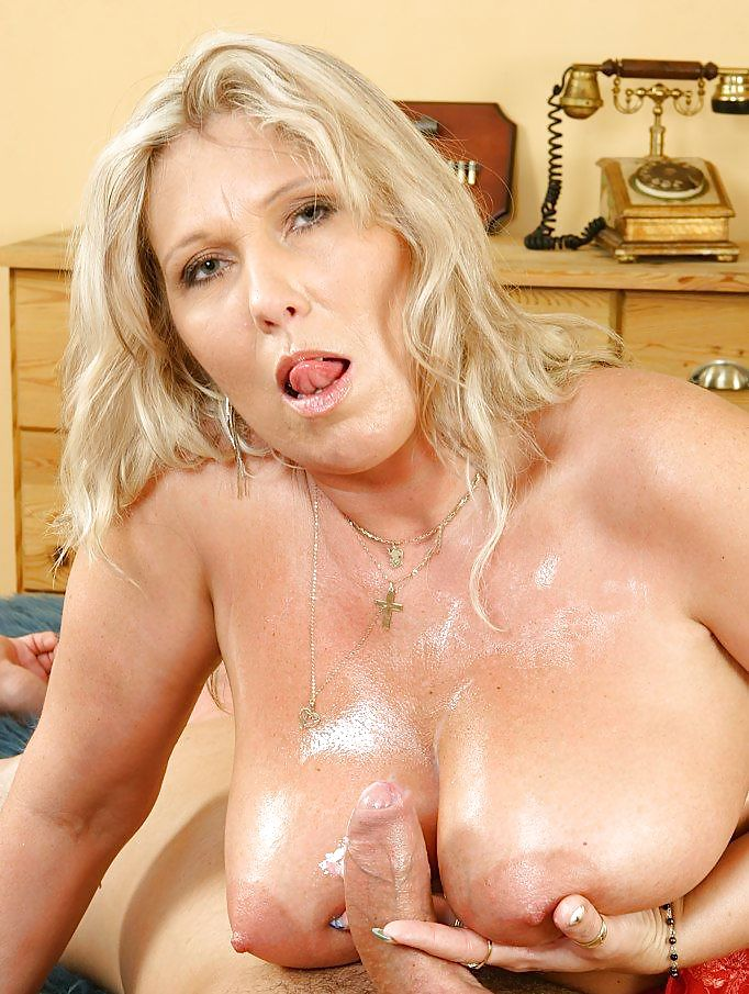 busty-old-woman-bj