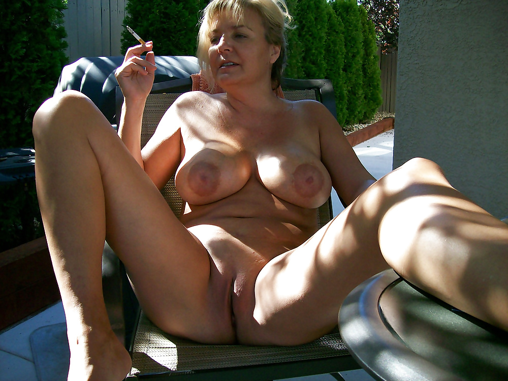 middle-aged-milf-nudist