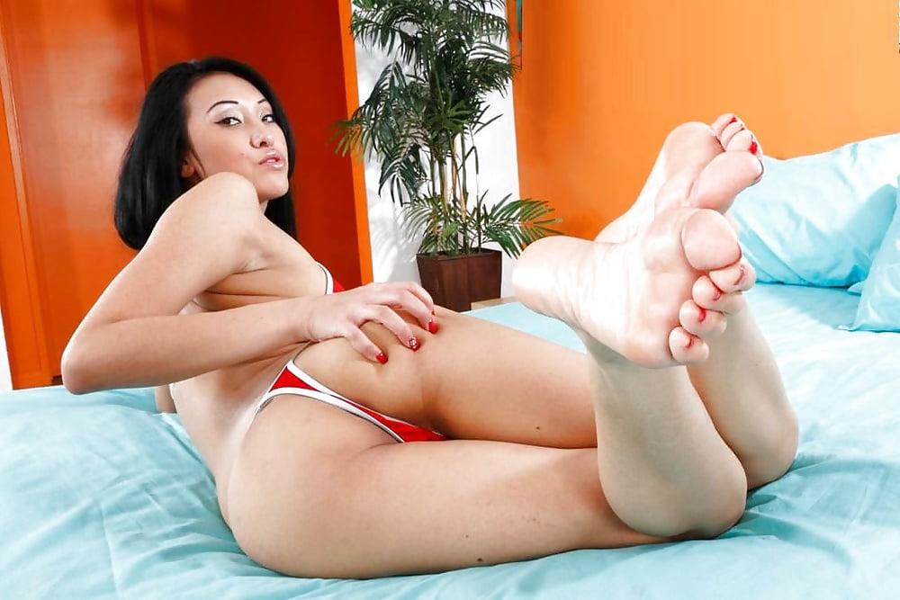 Foot Fetish Daily Sheril Blossom Rain Bedroom Vr Porn Sex Hd Pics