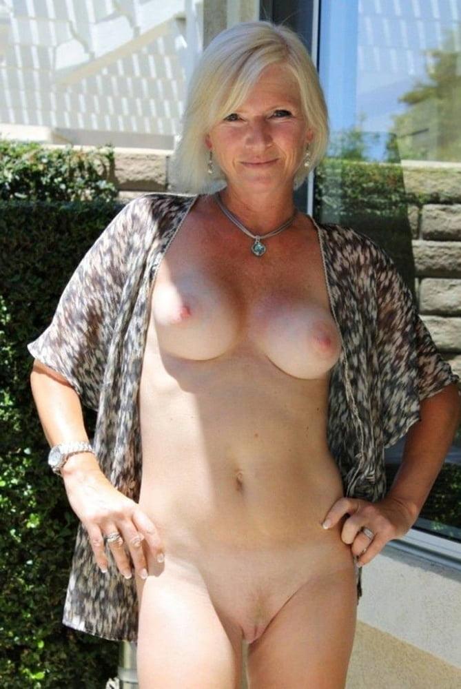Older Bolder Women 32 - 47 Pics