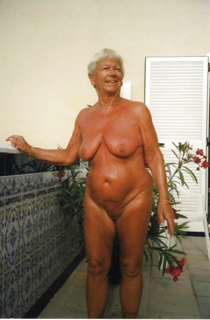 Sexy Senior Mature Beauty Dressed See