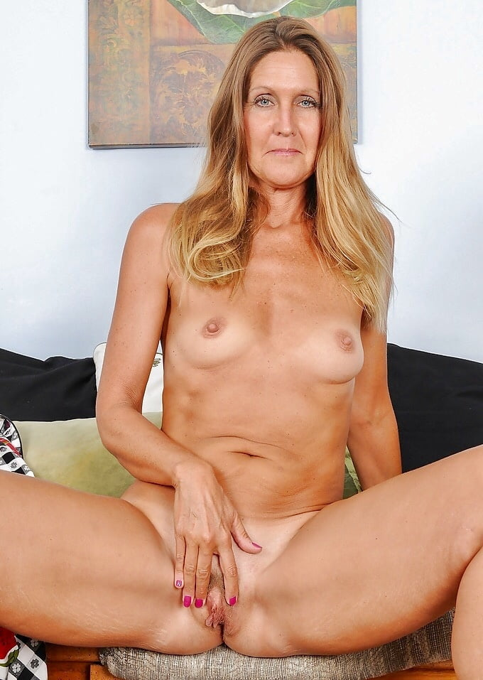 Naked pics of forty year old woman look
