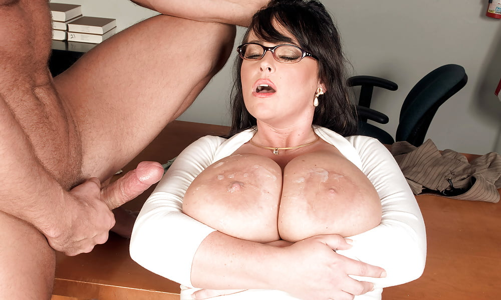 Mommy Indianna Jaymes Bounces On A Stud's Ramrod
