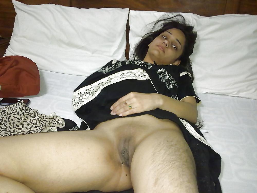 chopra-x-hamster-indian-moms-virgin-italy-gif