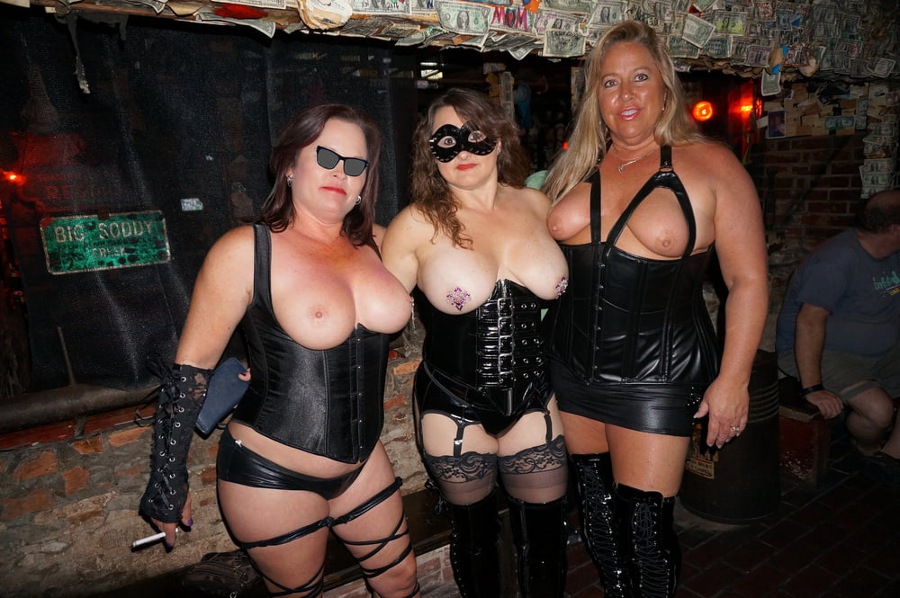 soup-riding-swingers-in-new-hartford-ny-flashes