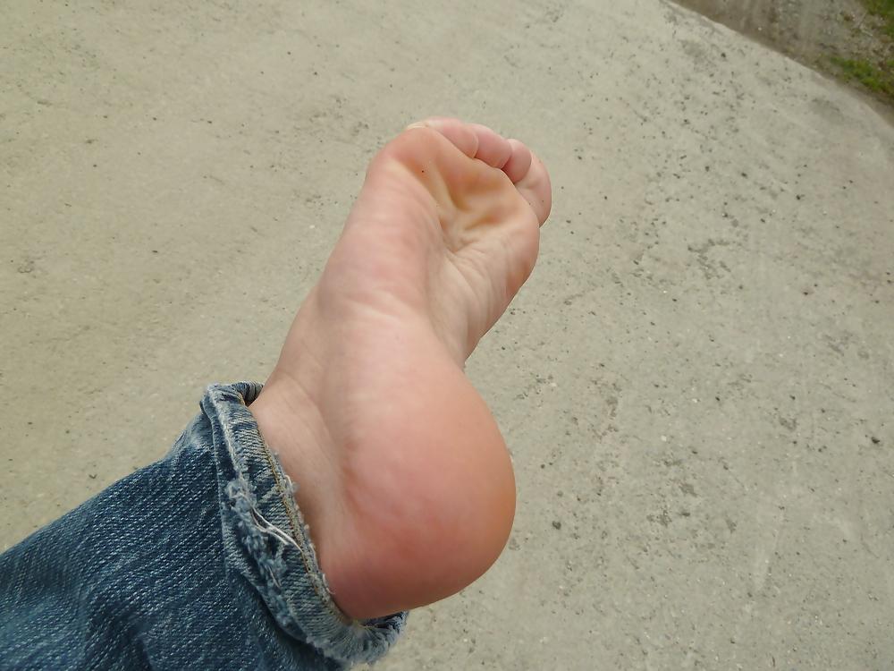 Lick my ass and smell my feet faggot