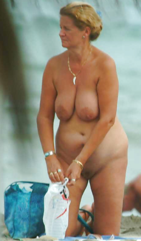 Mature nudist pic