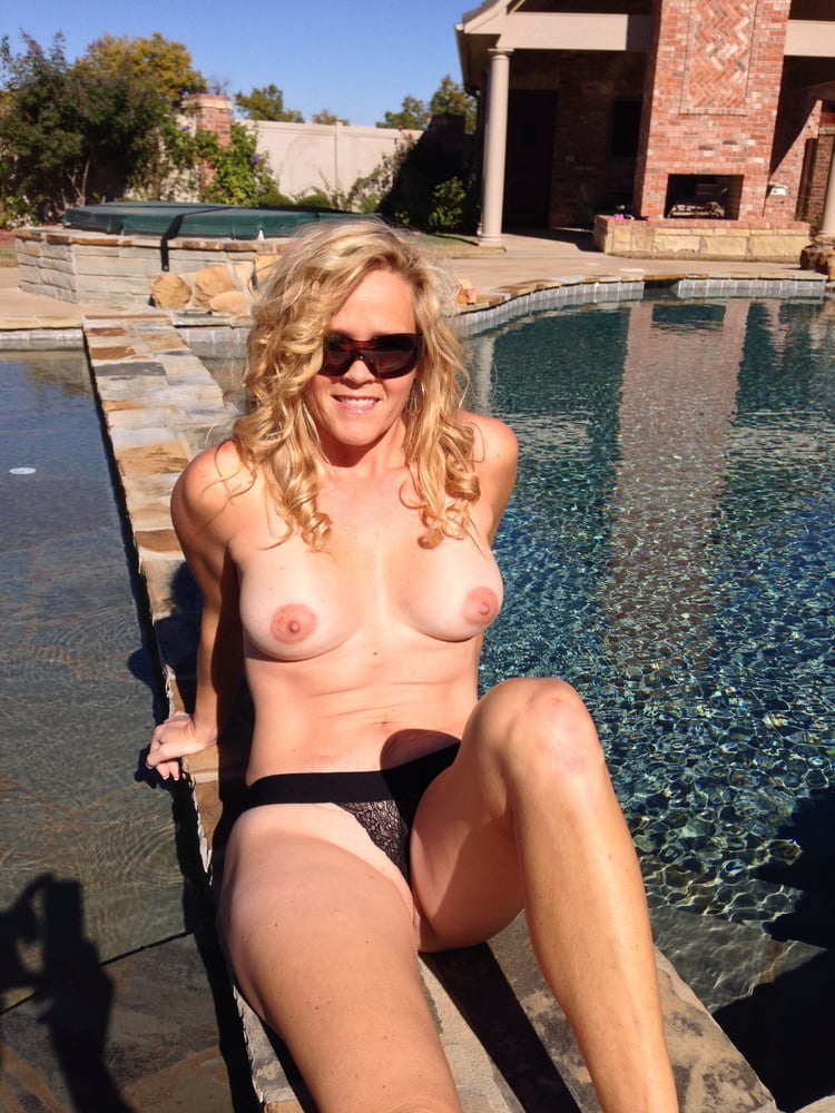 Gorgeous Smile On Fit Hairy Big Tit MILF On Vacation- 46 Pics