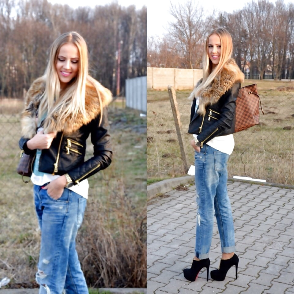 Womens jean jacket with faux fur collar