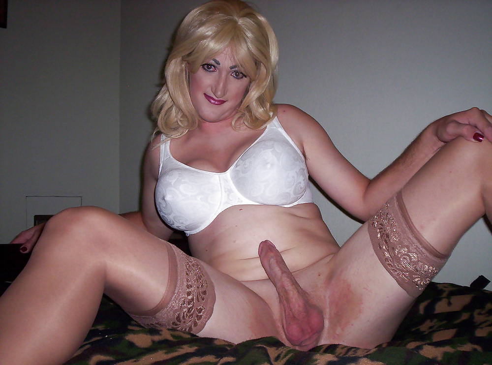 transvestite-wearing-false-boobs-gallery
