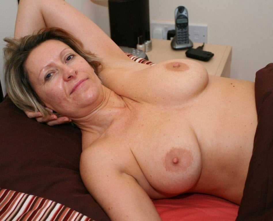 Busty Mature Granny, Mature Porn Photos
