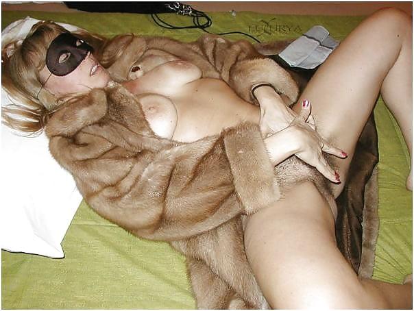 Blonde Girl In Fur Coat Masturbate