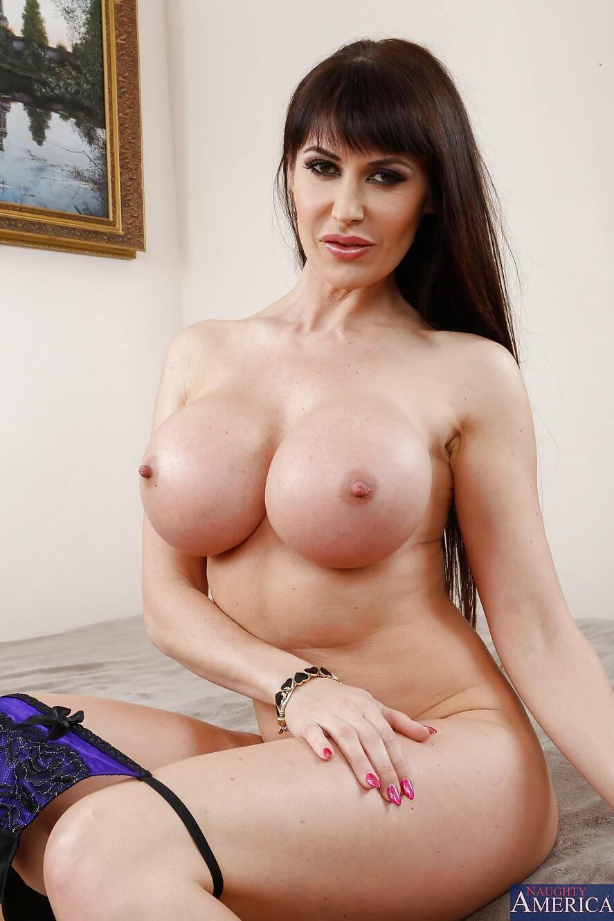 Eva Karera Naked