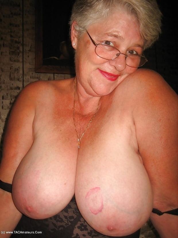 Granny titti — pic 6
