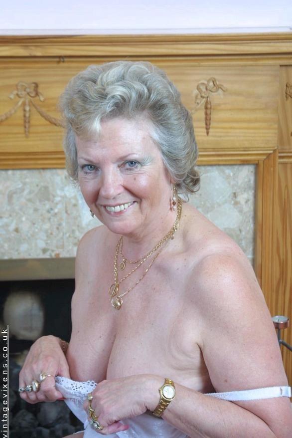 amateur naked asian