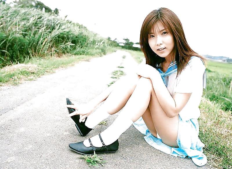 japanese-teen-school-girl-nude