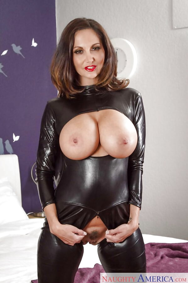 Monster natural tits hitomi in latex