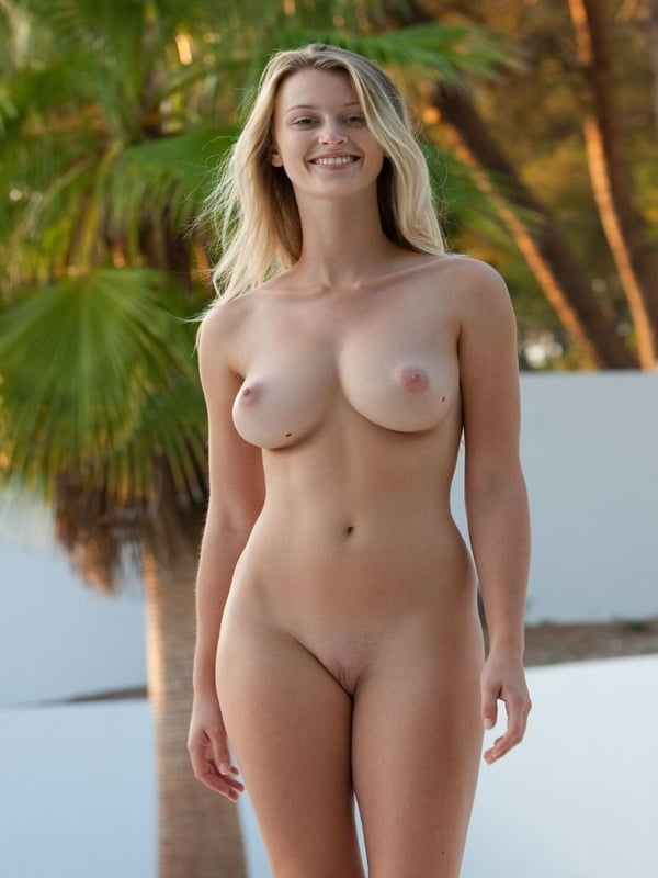 Naked larger women