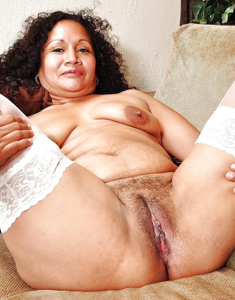 Free Mature Latina Masturbating Porno