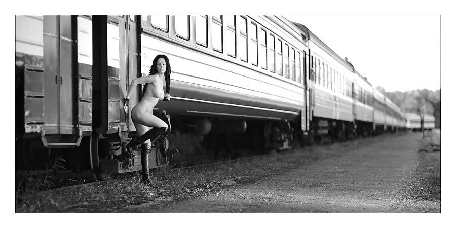 Hot Girls Naked On The Train Tracks