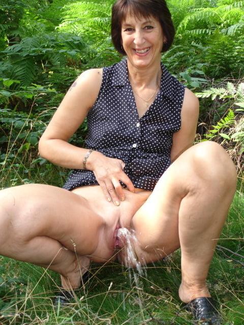 Hot Pissing Matur Pornos Images