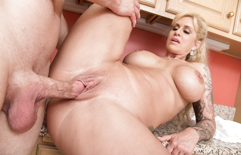 real-bald-milf-pussy-fuck-fiore