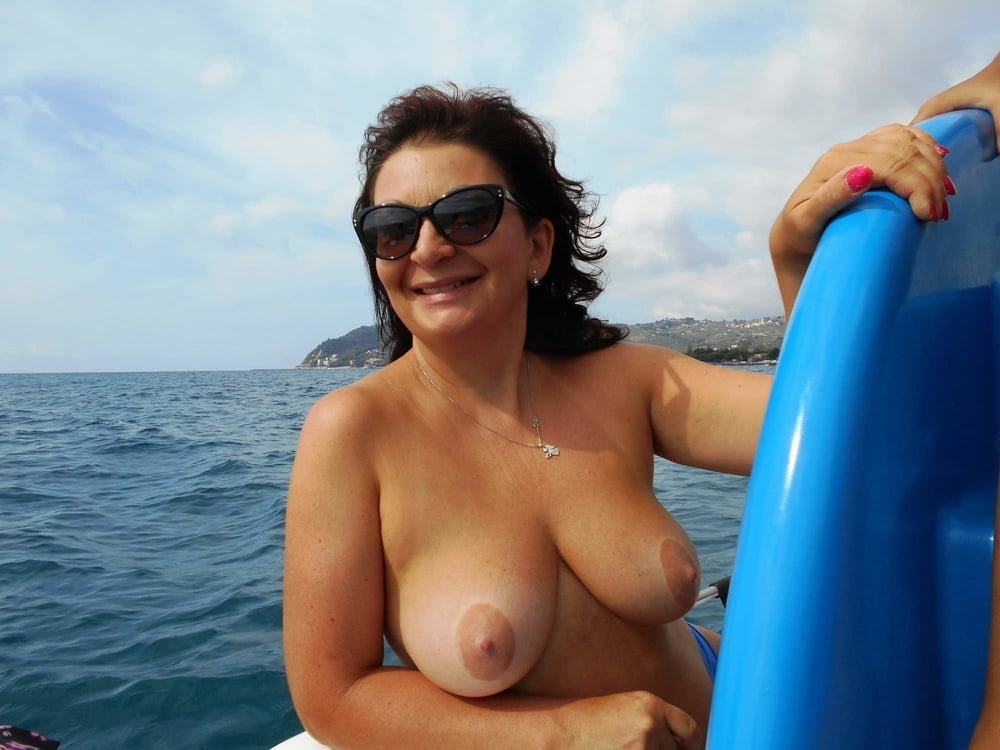 Amateur naked beach